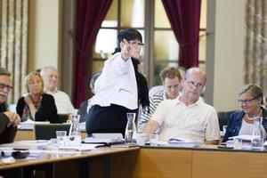 På en presskonferens på fredagen förväntas Carina Blank och Per Johansson avisera sin avgång.