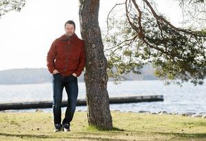 Mikael Renberg, expertkommentator och före detta hockeyspelare, fyller 45 år.