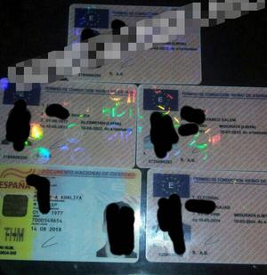 På ett forum vi hittade säljs helt öppet pass och andra ID-handlingar. Just spanska handlingar är attraktiva i Mellanöstern.