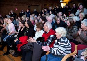 Många lockades till Qulturum i Nykvarn för att lyssna på Rickard Söderbergs föreläsning.