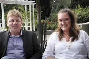 Roger Lund och Erika Thor har hittat sina egna smultronställen under sina täta bussredor i Europa. Nu sätter de ihop egna paket.