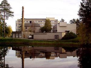 Det är snart dags att flytta in i lägenheterna på våning sex, men vad hände med de övriga planerna för Backe sjukhem?
