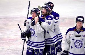Det var då. År 2002 spelade Niklas Persson ofta huvudrollen när Leksand spelade. Efter många år i KHL återvänder han nu till svensk hockey - dock ej till Leksand.