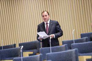 Under de pågående förhandlingarna mellan S och MP står det nu klart att Stefan Löfven åter igen måste svika sina väljare och lägga sig platt för riksdagens mest invandringsextrema parti.