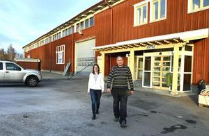 I Sundsvall Träs gamla lokaler öppnar snart Sara Vahlberg och Peter Norén sin nya bygghandel.