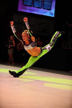 Carolina Janevalds Disco freestyle-program  (discodans med akrobatik) i disco-VM i Ostrava, Tjeckien.