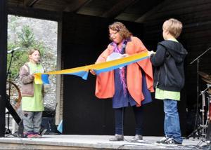Åres kommunalråd Eva Hellstrand (C), som infödd Nordhallenbo, klippte invigningsbandet.