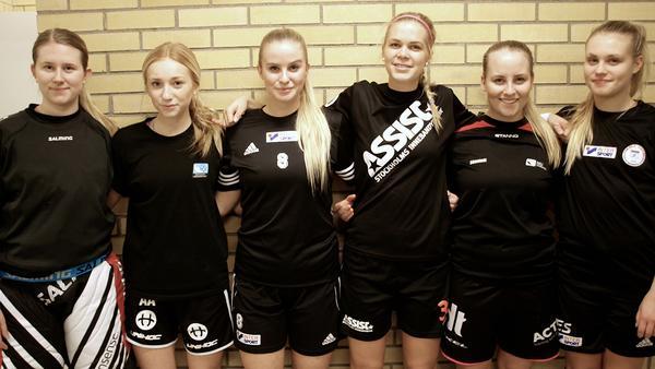 Fagerstatjejer i länslaget, från vänster Lovisa Hedin, Alva Arnqvist, Frida Mattson, Sofia Olander, Anna Dömstedt och Emma Skult.