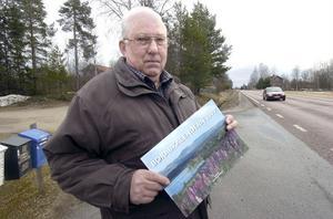 Bengt Säll i Östanå fick en kalender av en son när han inte fick någon utdelad i vintras.