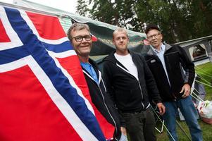 Stian Doksröd, Kim Antonsen och Reidar Pedersen från Norge trivdes på mopedträffen.