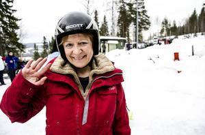 Vitryska Ina Palekenkaya är redo för att åka snowracer för första gången.