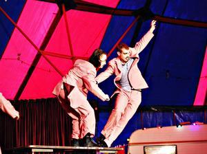 Cirkuselever i Gävle visade sina konster.