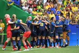 Svenskt jubel – det blir OS-final i Rio efter straffseger mot Brasilien på nationalarenan Maracana.
