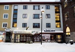 Örnsköldsviks kommun tar inte mer än 15 000 i månaden för att hyra ut populära restaurangen O'Learys 590 kvadratmeter.