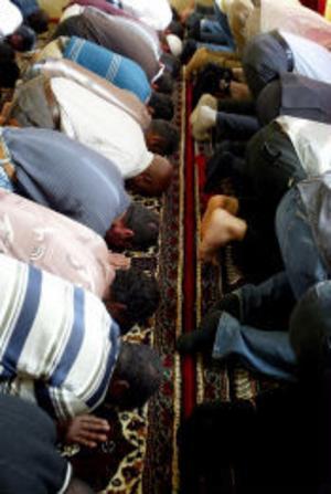 Sista fredagsbönen innan årets Ramadan. Under fastemånaden hålls moskén öppen varje kväll för bön, fika och samtal.