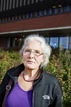 Anna Johansson från Hoverberg tycker det kommer bli intressant att se vad som nu kommer hända efter valet. – Synd att det blev ett så jämnt valresultat, kanske blir det ett nyval nu. Det är svårt att säga vad som kommer att hända. I det kommunala valet är hon nöjd över att Bergspartiet tappade röster.