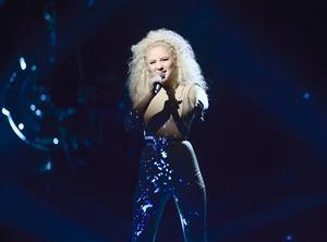 Debutanten Wiktoria gick vidare till final med sin låt