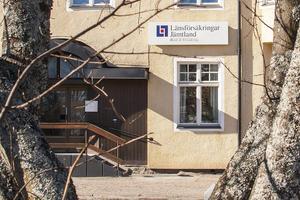 En saga all. Länsförsäkringar stänger sitt kontor i Sveg och flyttar all försäkringsverksamhet till Vemdalsskalet, där Länsförsäkringars fastighetsförmedling finns idag. Bankverksamheten försvinner till Östersund.