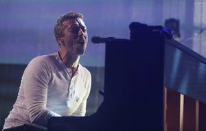 Chris Martin och hans Coldplay spelar på Friends Arena i Stockholm den 3 juli.
