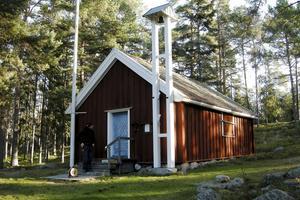 Bergöns kapell, som ligger i norra delen av Hudiksvalls kommun, men som till stor del tas omhand av ideellt arbetande personer i Sågtäkten, uppfördes redan 1636.