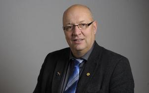 Ulf Berg, M-riksdagsman från By i Avesta, är inte nöjd med att de nya reglerna för strandskyddet inte underlättade bygglov som han hoppats. foto: scanpix
