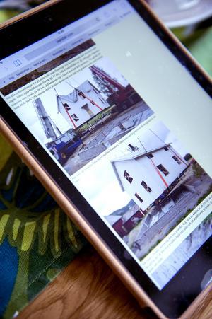 2008 flyttades huset 17,5 meter. Allt finns dokumenterat av Olof Ulander som är fotograf och bor i Ljustorp.