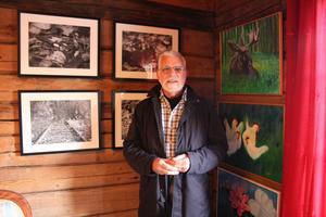 Bo Bergman, Rotary, är initiativtagare till Konstrundan som går in på sitt fjärde år. Här besöker han ateljé Lillberg.