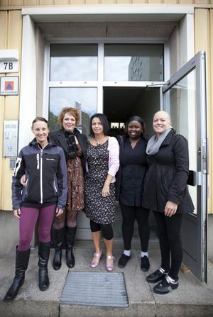 Kerstin Persson, Christina Gustafsson Kauranen, Ann-Charlotte Wallén, Winny Wambugu och Tess Käck är några av de som arbetar på Gävle Tolkjour.