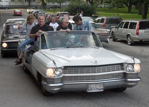 Per-Olof Örns Cadillac från 1964 fylldes av sju cruisingsugna kamrater.