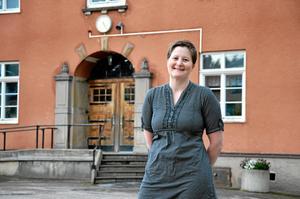 – Ljusnarsbergs bottenplacering i skolrankningar gör att det är svårt att locka hit barnfamiljer och företag. Kommunen bör ta ett större ansvar både för skolan och för flyktingfrågan. Vi får inte tycka synd om oss själva bara för att vi är en liten kommun, säger Åsa Rosenberg (FP).