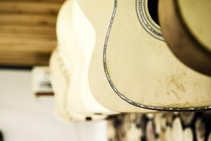 Årets gitarrer hänger på rad. Sammanlagt blir det elva stycken innan året är slut.