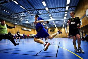 Umeå IK satte stopp för Marcus Berggren och hans Sundsvalls HK. Gästerna från Västerbotten vann med 24–19 och därmed åkte Sundsvall på sin nionde raka förlust. I dag blir det mycket möjligt en tionde – då man tar emot serieledande Rimbo.