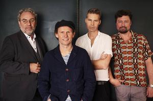 Mats Schubert, Bo Sundström, Fredrik Dahl och Michael Malmgren i Bo Kaspers Orkester spelar i Sundsvall de 6 februari.