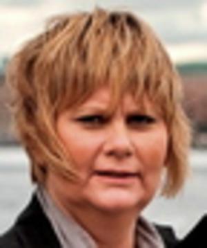 Samhället är beroende av att det finns civila som hjälper till. Ann-Louise Molin Östling, ordförande Individ – och familjenämnden.