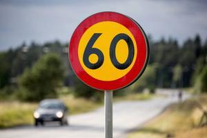 Med den höjda hastigheten i Svenstavik lurar en allvarlig olycka runt hörnet, skriver 14 fastighetsägare.