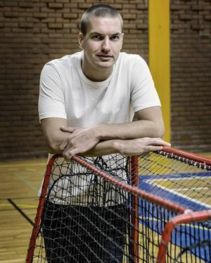 Frösötränaren Daniel Ramsin coachade sitt lag till en viktig 8–7-seger mot Timrå.