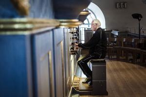 Bachs alla orgelverk. 77-årige förre domkyrkoorganisten Rolf Ericzon antar en stor utmaning med 20 konserter på två och ett halvt år.