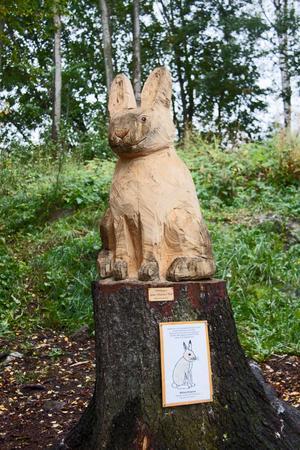 En hare skulpterad efter Wilma Elmqvists teckning.