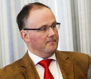 Landstingsstyrelsens ordförande Per Wahlberg (M) står fast vid sitt stöd till Härnösand.