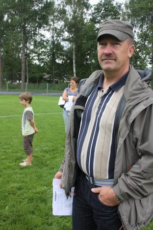 Lennart Pettersson är liksom många andra Sköllerstabor aktiv inom Sköllersta IF.