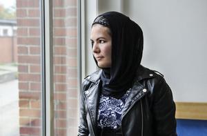 Golnaz Khairkhah har sitt urspruing i Afghanistan, växte upp i Iran och bor idag i Edsbyn.