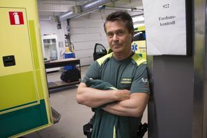 Efter 34 år i jobbet slutar ambulanssjuksköterskan Stefan Käll.