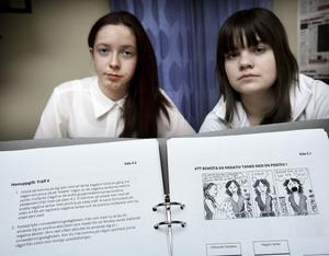 Lina Österberg och Johanna Grelsson hävdar att tjejerna i deras klass är så missnöjda med DISA-programmet att de struntar i att göra hemuppgifterna.