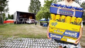 Nu är det stopp för medhavd öl på Hoforsrocken. Tidigare har det varit tillåtet mellan klockan 14-18. Arrangören har valt att lyssna på polisen.