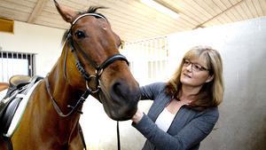 Maria Dellham med favoriten Tami, ett sto född 2004.