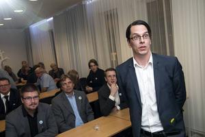 Johnny Skalin tycker att riksdagen saknar en opposition efter överenskommelsen.