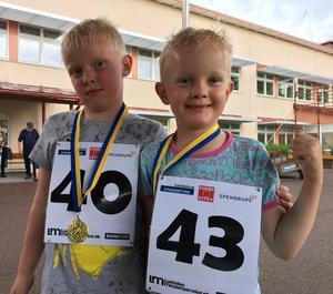 Yes - Gustav Pers och Isaac Karlström sprang tre kilometer.