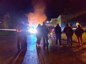 Många medlemmar fårn Beautytown Cruisers kom till platsen snart efter att branden hade startat. Klubben har sedan man köpte lokalen 2008 gjort en totalrenovering.