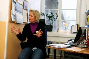 """""""Barn och ungdomars ohälsa har ökat"""", säger Karin Segersten, som är skolsköterska på Jämtlands Gymnasium Wargentin. Hon tror ändå att det arbete som skolsköterskorna utför förebygger folkhälsoproblem. Foto: Henrik Flygare"""