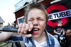 Sångaren i Two Bits of Pepper, Anton Joelsson, hade stor känsla i sitt framträdande.